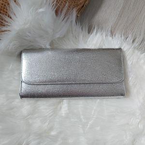 Silver shiny clutch